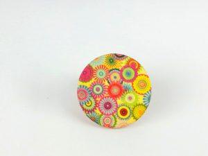 flowers circle brooch