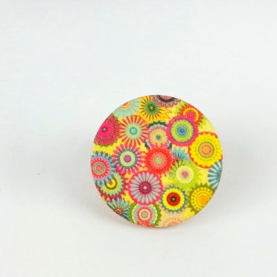 flowers circle brooch
