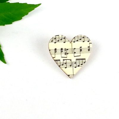Music heart brooch